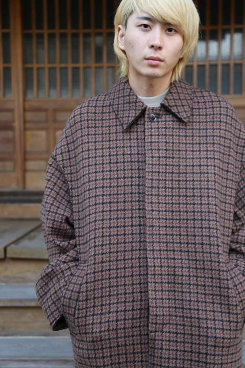 "YOKE DOUBLE JQUARD KNIT BAL COLLAR COAT""BROWN""スタイル.2019.11.4."